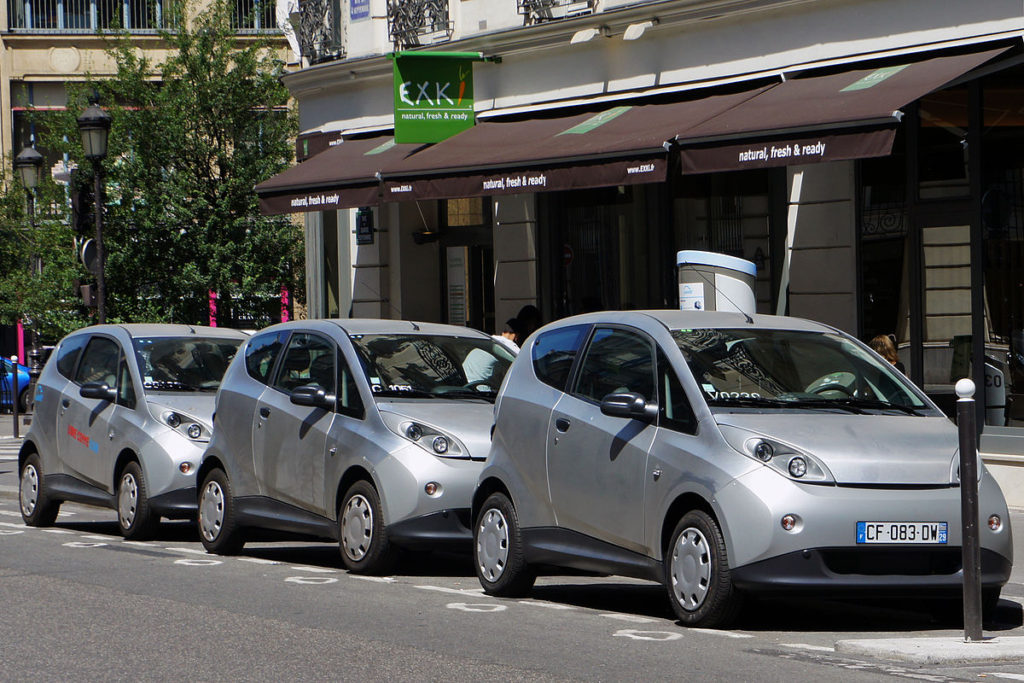 Autolib we Francji, Sharecar w Polsce?