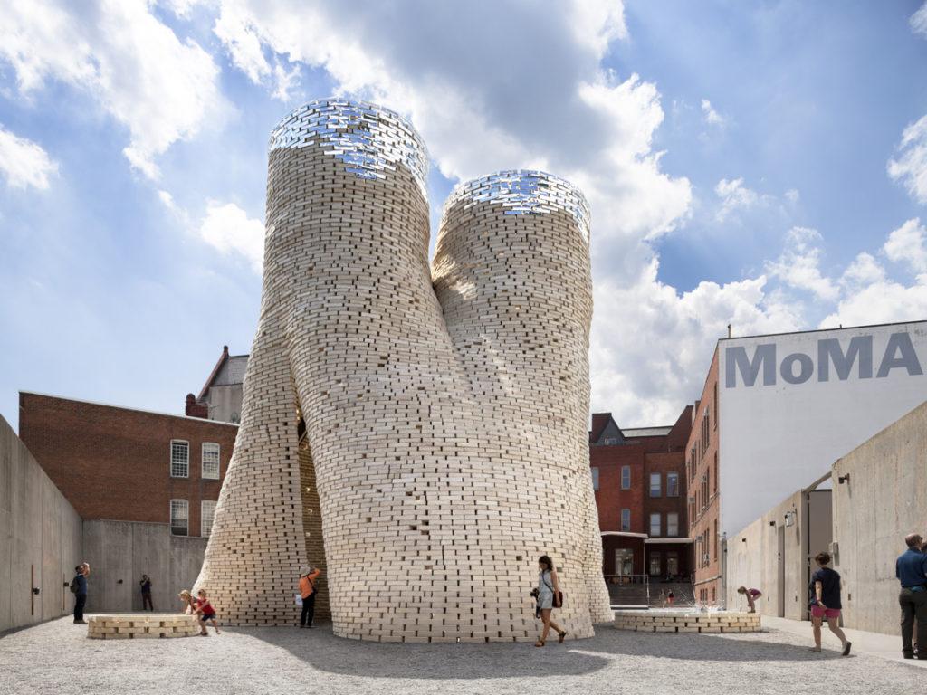 naturalne-materialy-budowlane-Hy-Fi-tower-Amy-Barkov