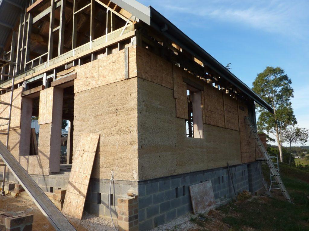 naturalne-materialy-budowlane-dom-z-konopi
