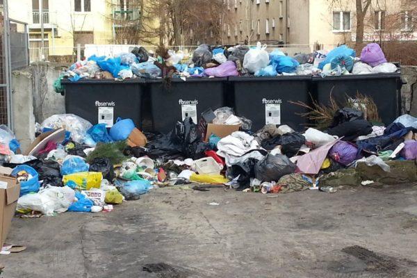 zero-odpadow-pelne-kontenery