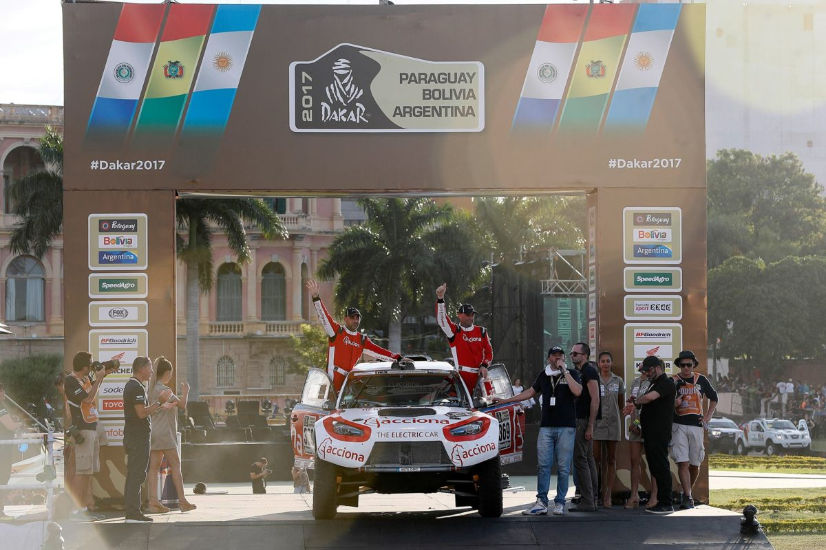 acciona 100% ecopowered dakar 2017 finish