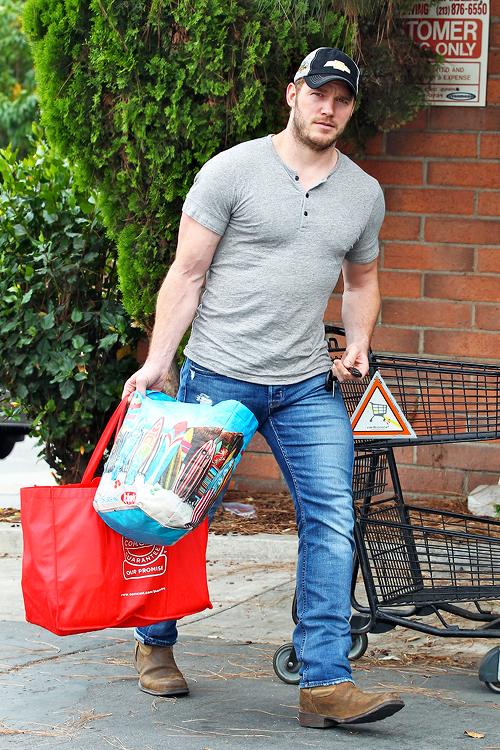 Chris Pratt na zakupach z torbami wielokrotnego użytku