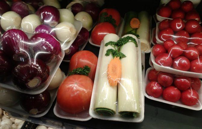 zero waste zafoliowane warzywa