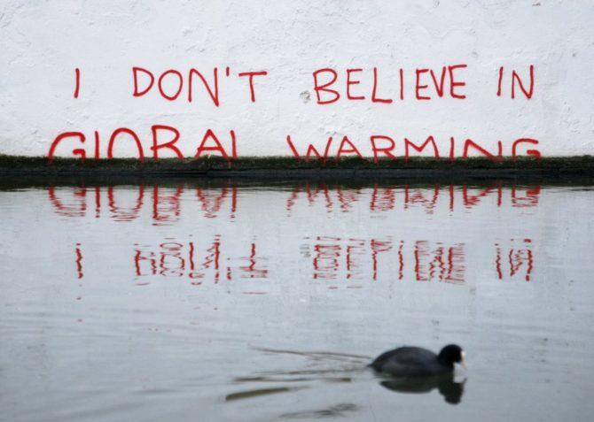 zmiany klimatyczne graffiti banksy