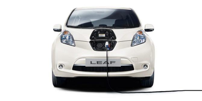 Samochody elektryczne wyposażone są odpowiednie kable