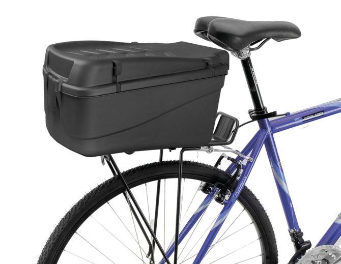 zakupy na rowerze zamykany kufer