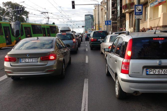 ciezkie zycie rowerzysty na ulicy
