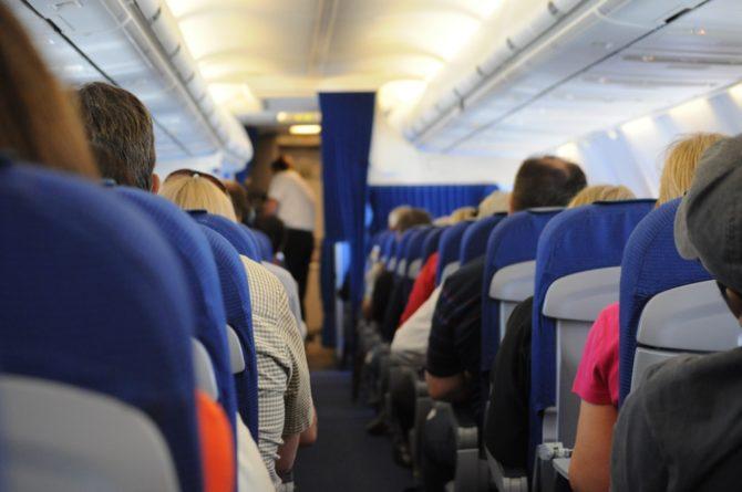 latanie-samolotem-pasazerowie